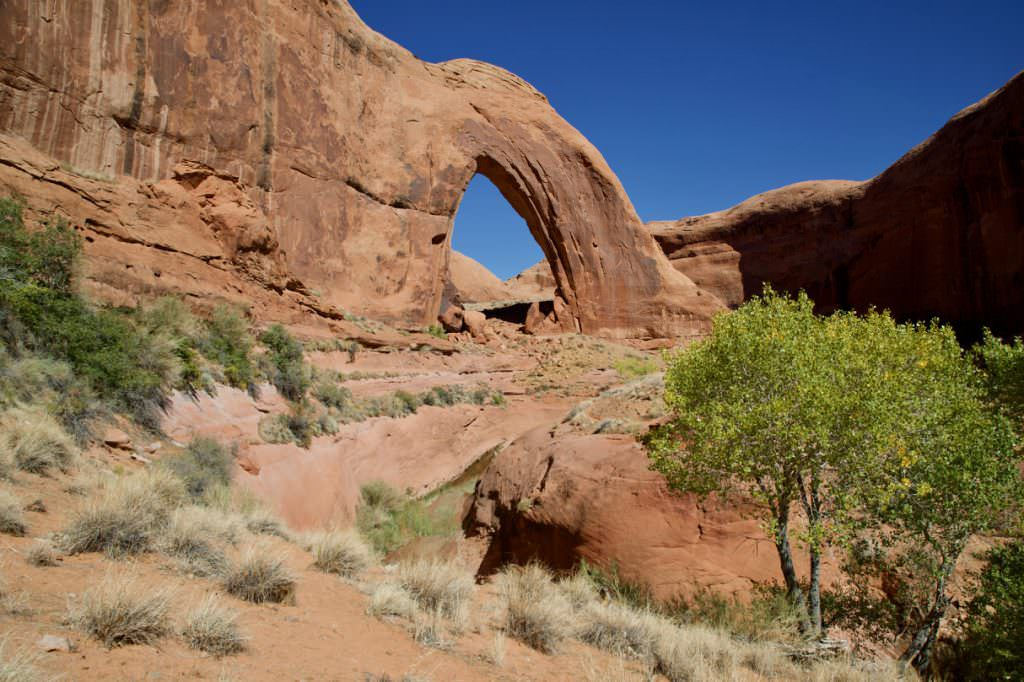 Broken Bow Arch - Hole in the Rock Road - Utah